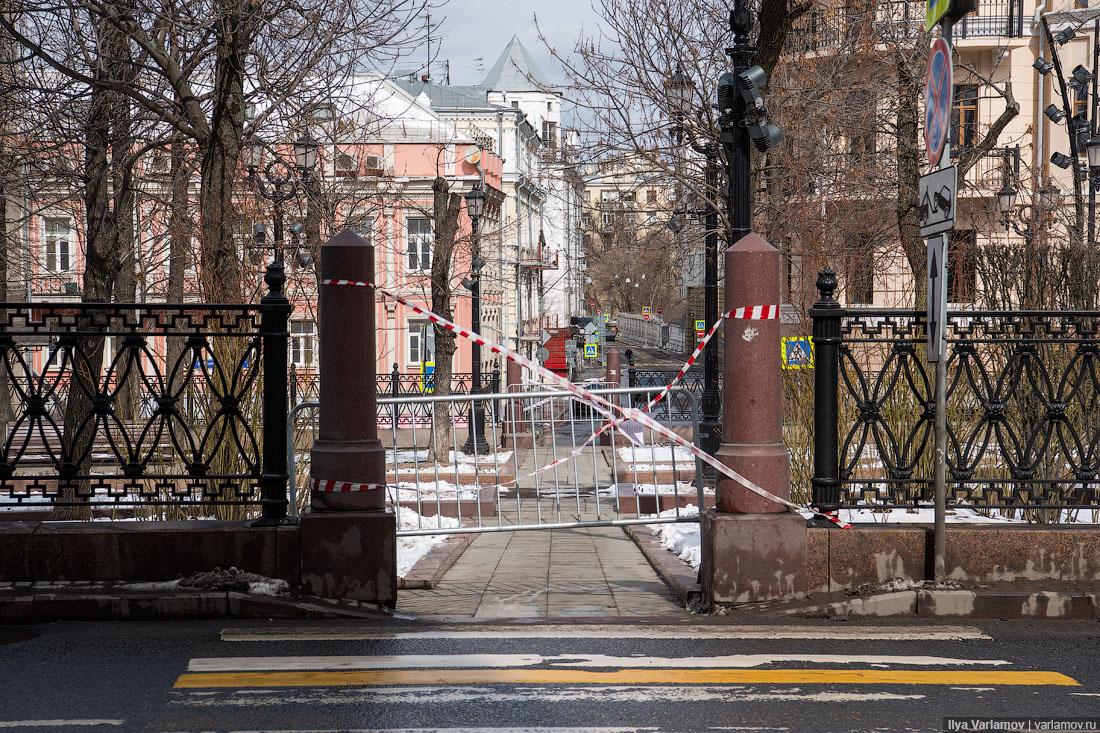 Собянин: все введенные вМоскве ограничения сохраняются до1мая, пропусков пока небудет