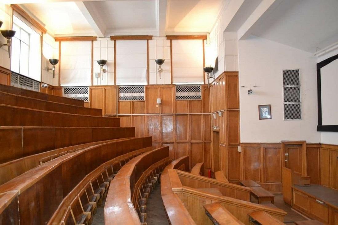 В МГУ под видом реставрации учинили погром
