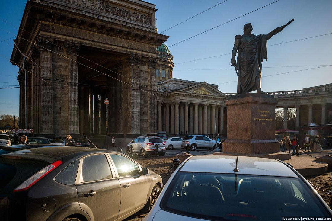 Петербург ради машин избавляется от остатков зелени