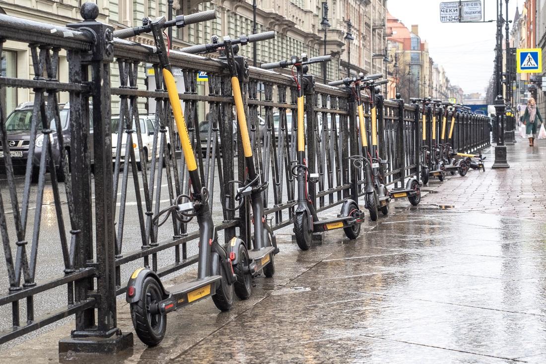 ВПетербурге ксервисам аренды электросамокатов пришли собысками после травмирования детей