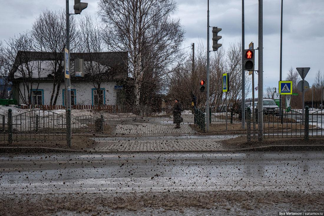 Чугуняки вместо поросят: Город Заборов расширяет палитру
