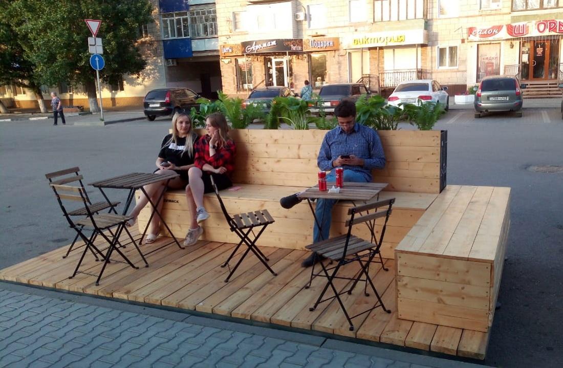 В Урюпинске появился первый легализованный парклет в России!