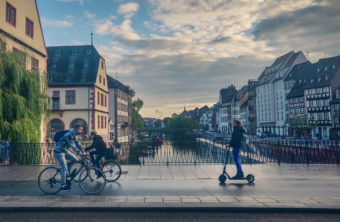 Не консульство России, а рынок краденых велосипедов