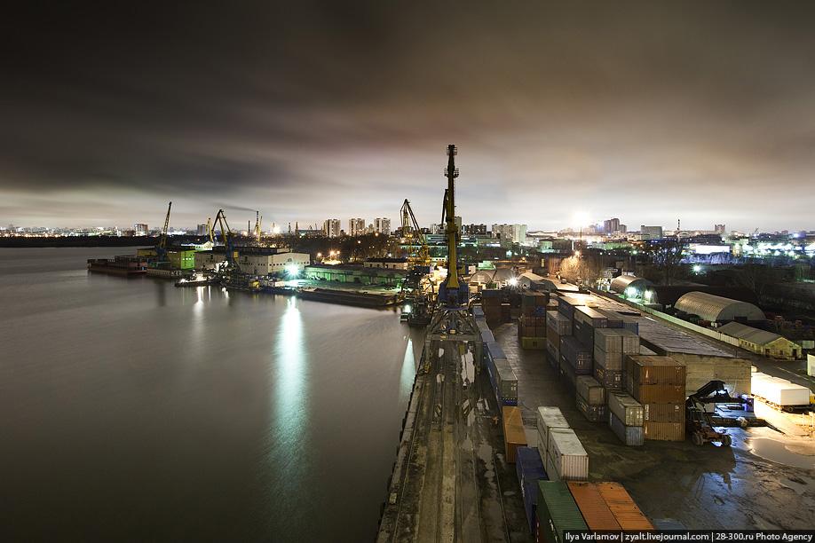 Южный порт фото ночью